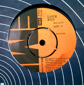 CITY 9 - Love bug - 7inch (SP)