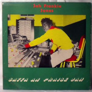 JAH FRANKIE JONES - Satta and praise Jah - LP