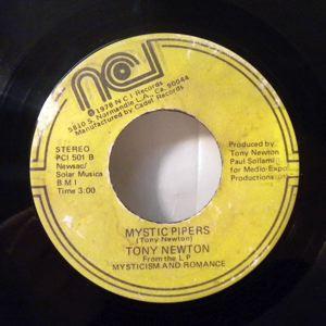 TONY NEWTON - Mystic pipers - 45T (SP 2 titres)