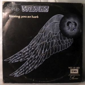 THE WINGS - Kissing you so hard - LP
