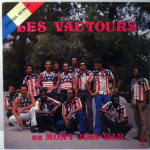 LES VAUTOURS - Au mont Joly Bar - LP