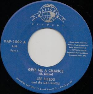 LEE FIELDS - Give me a chance - 45T (SP 2 titres)